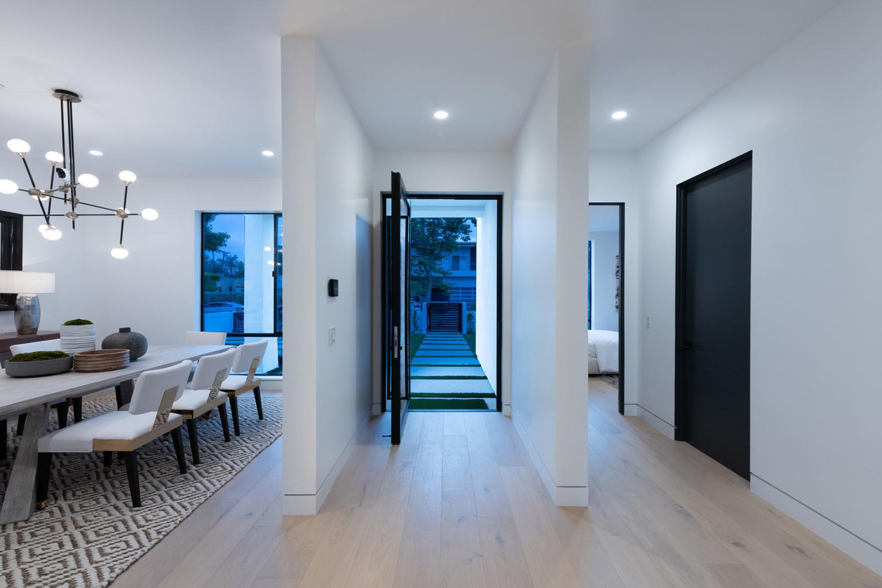 Home design Los Angeles modern contemporary entrance